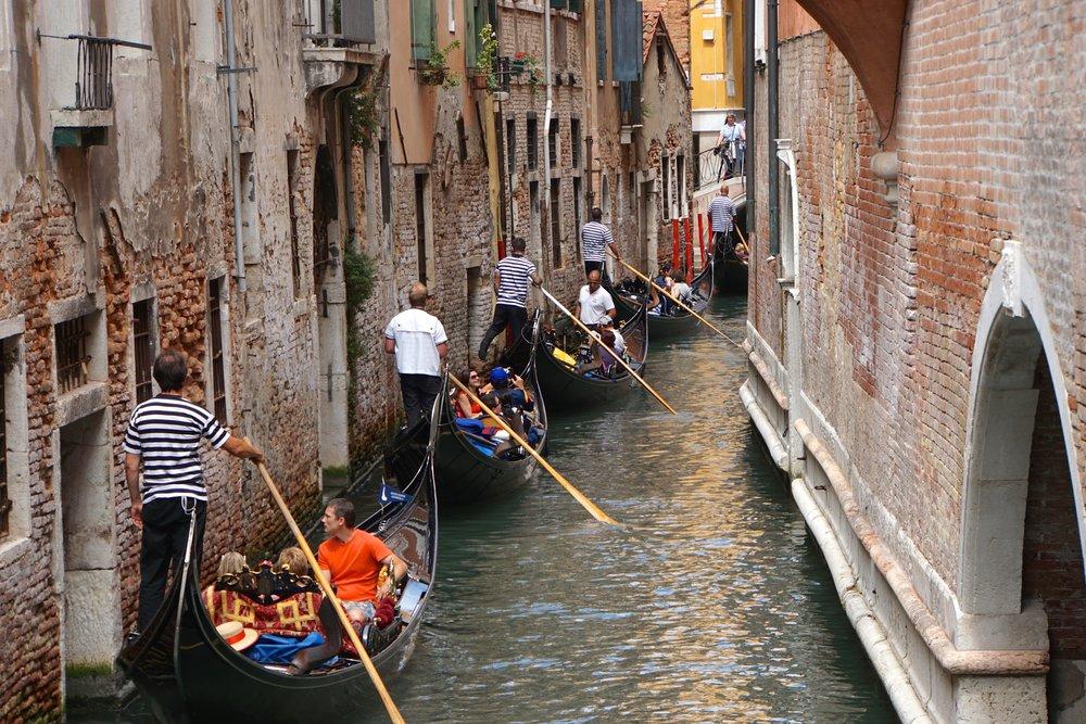Gondola Waiting to Pass.jpg