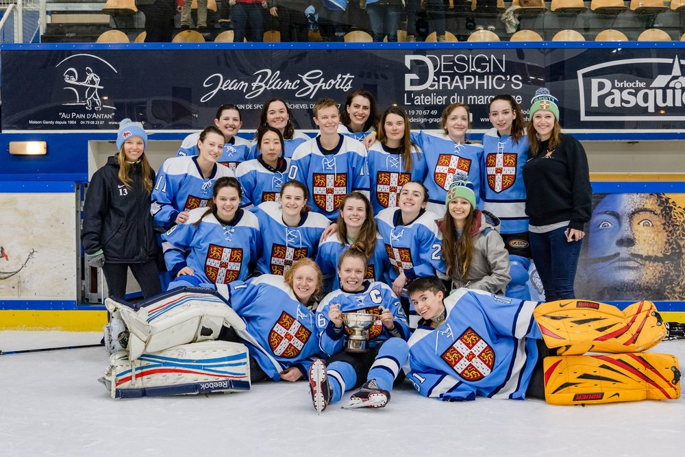 And the Womens Blues make it a double Varsity win for Cambridge Hockey by beating Oxford 6-2 in Courchevel! Player of the match was Anne Widera, with goals scored by Anne, Jia Kim, and Katherine Hobart. Huge congratulations to all who played!!