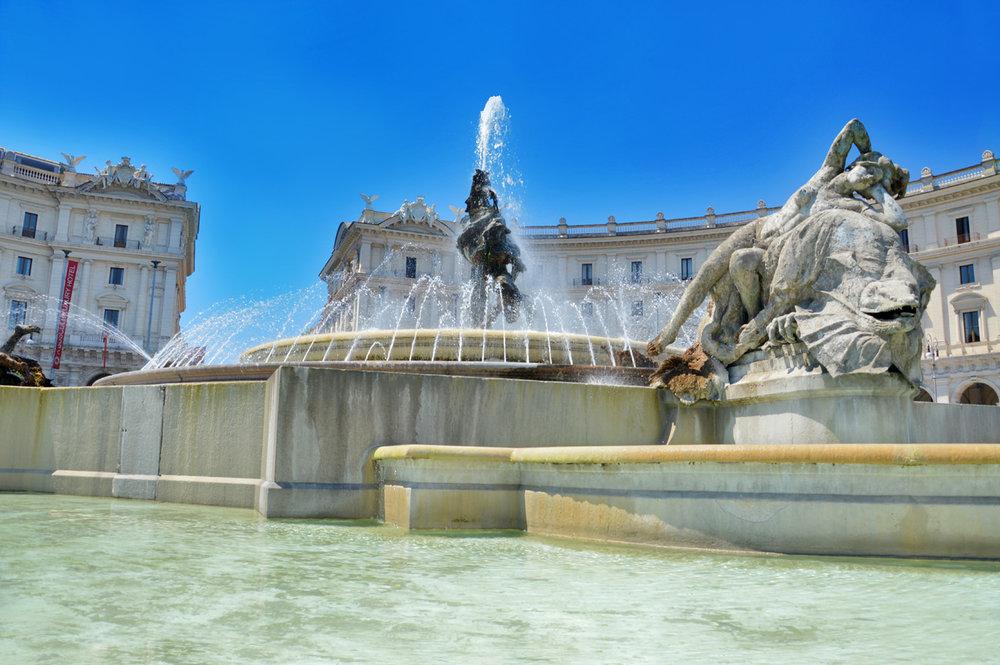 The fountain in Piazza della Republica
