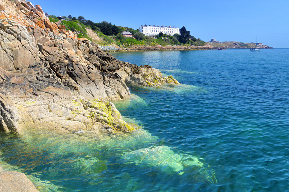 Clear waters and cliffs at Dalkey