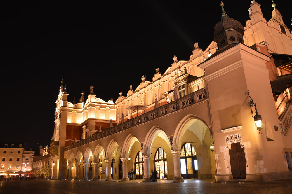 Cloth Hall at night