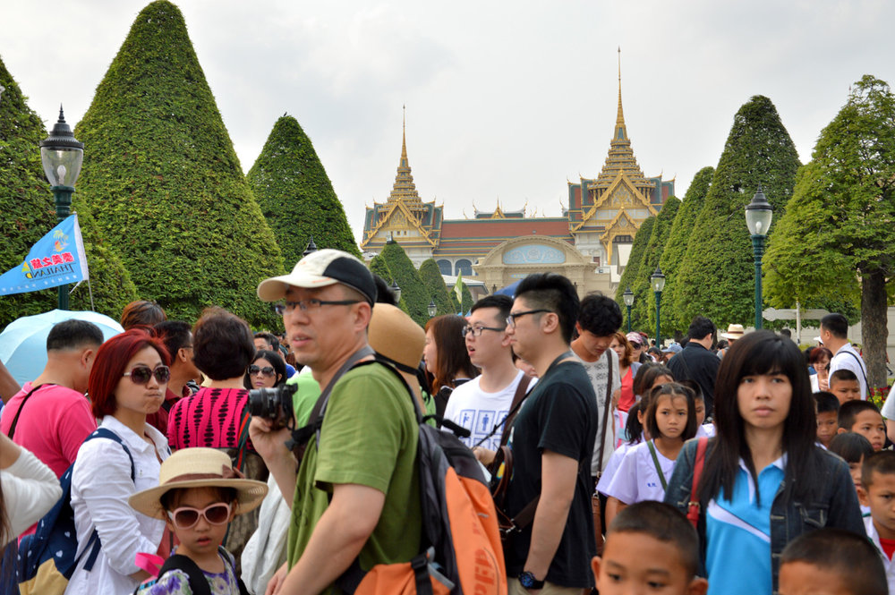 Crowds at the Palace