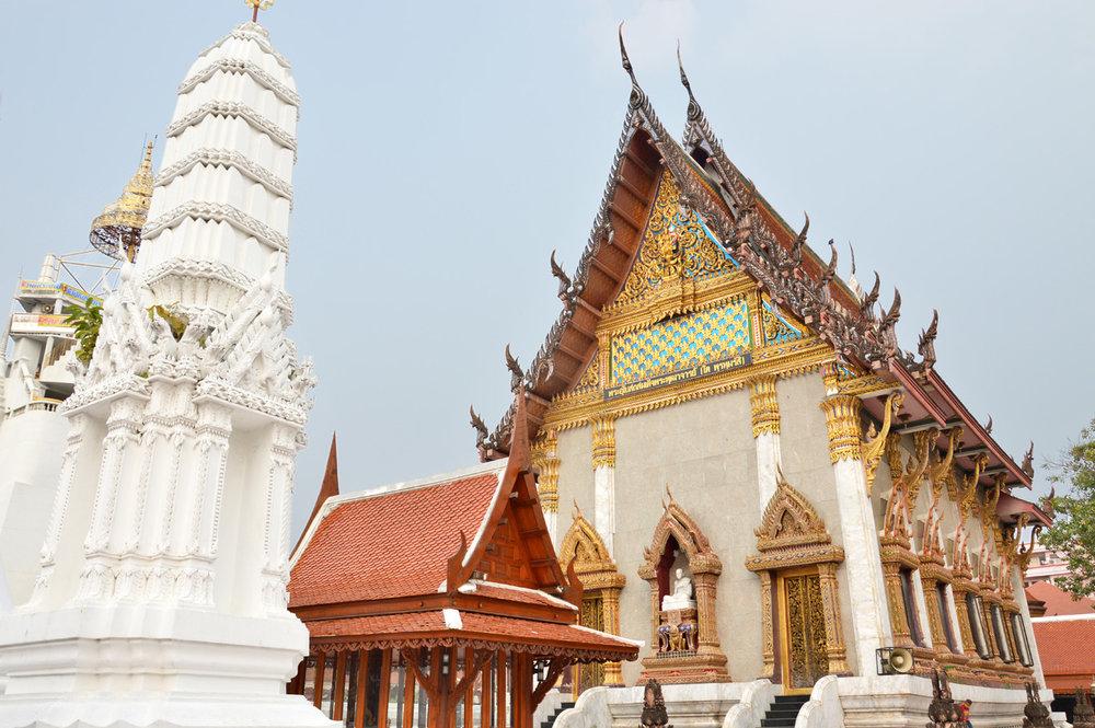 Wat Intharawihan Temple