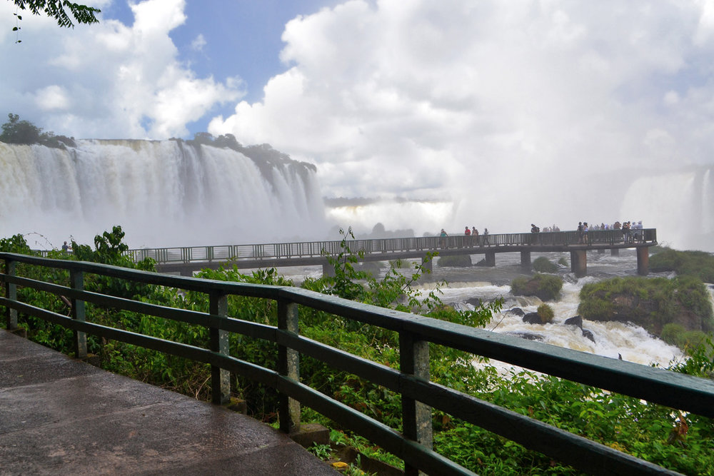 Iguaçu Falls - viewing platform - prepare to get wet!