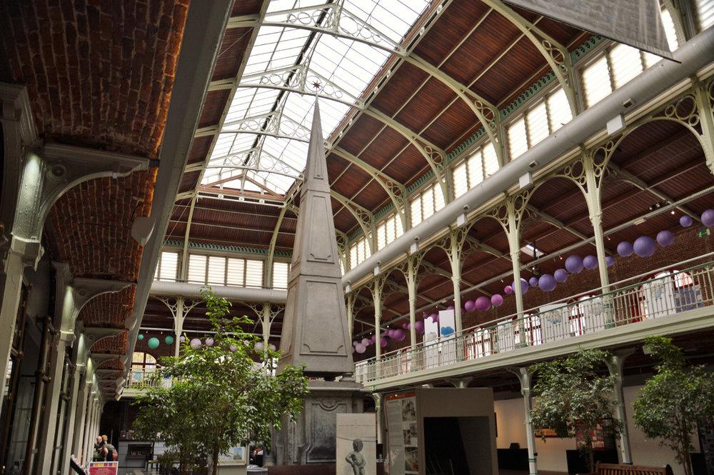 Halles de Saint Gery inside