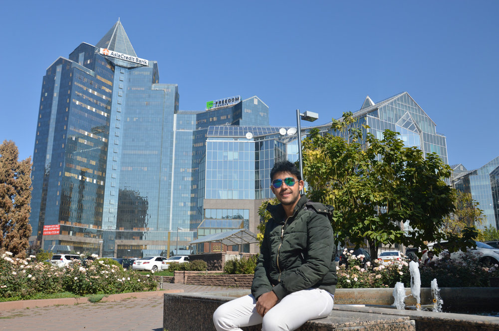 Nurly Tau Business Center