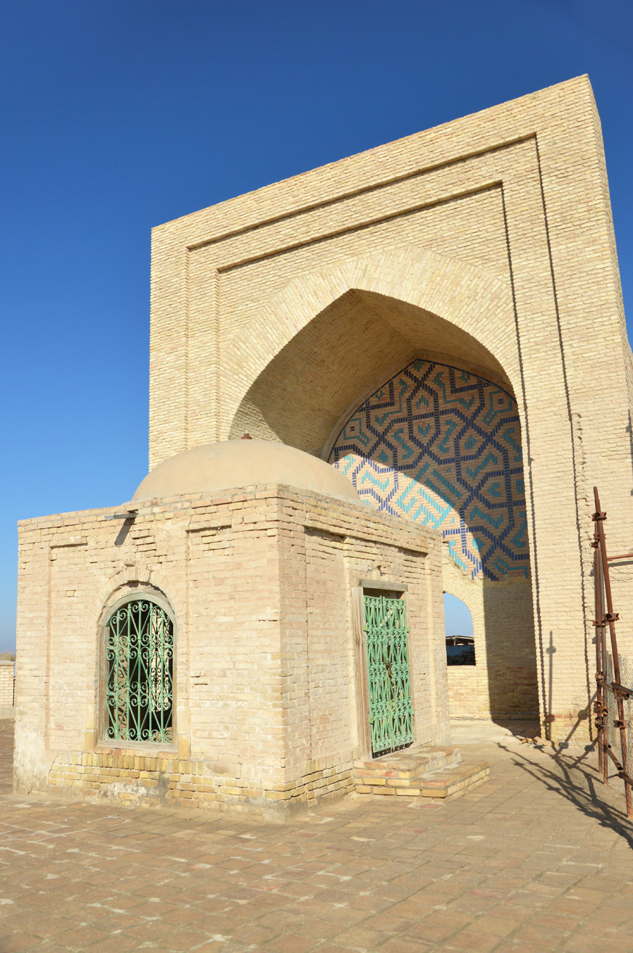 The Ashkabs mausoleum - main portal