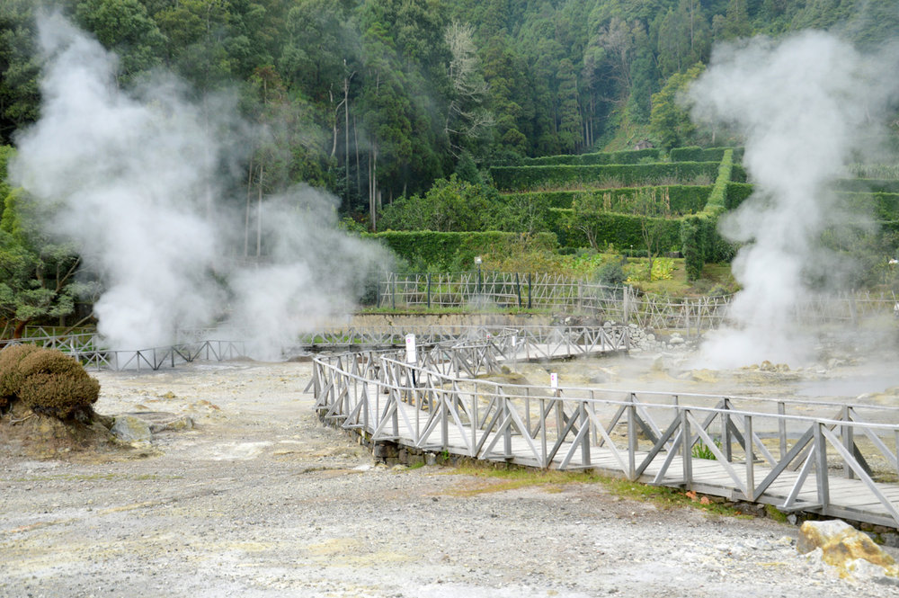 Hot springs at Furnas Lake
