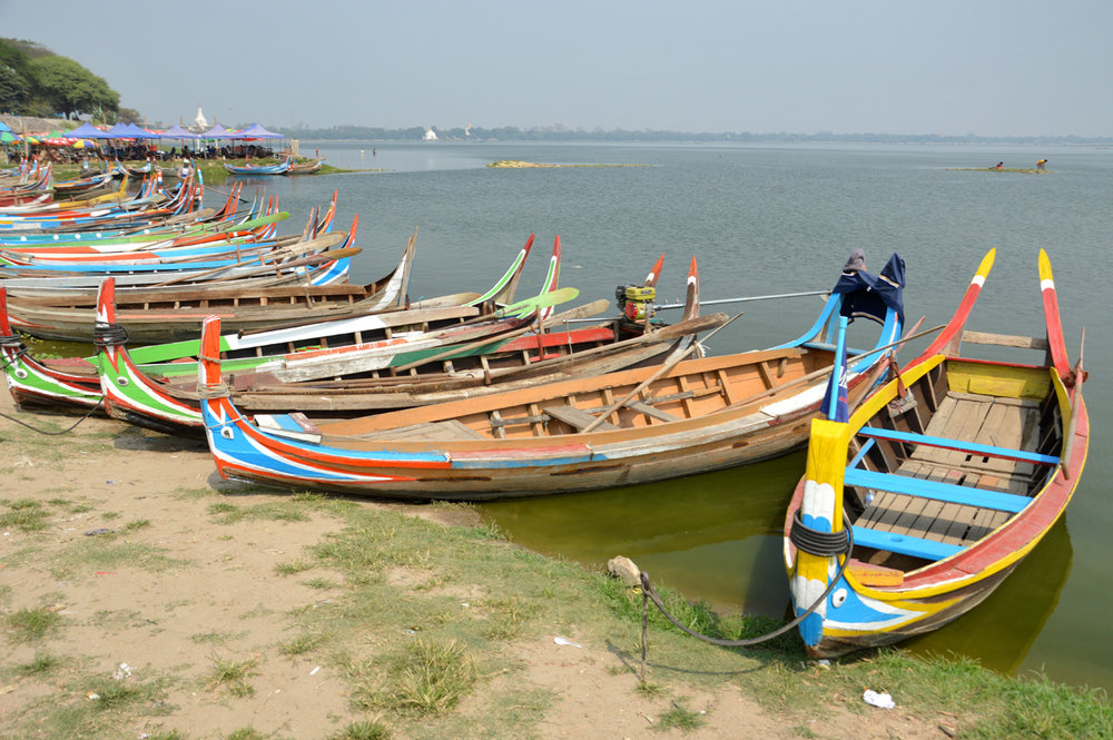 Boats at the Taung Tha Man lake