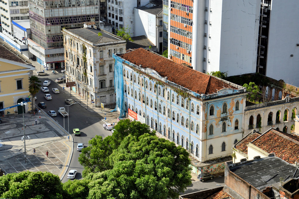 Edifícios negligenciados no centro histórico