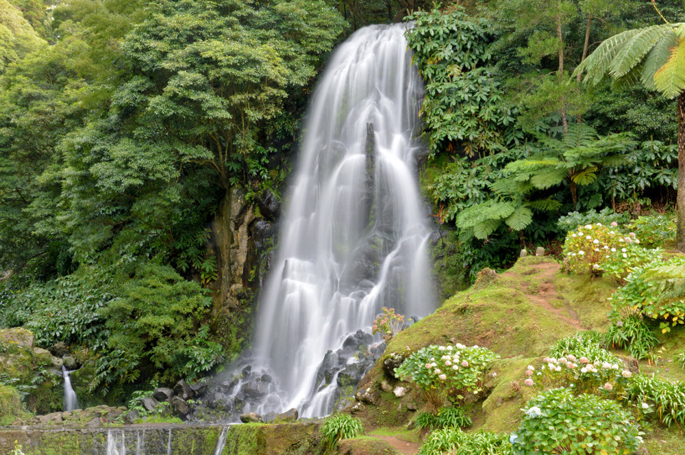 The waterfall in Achada