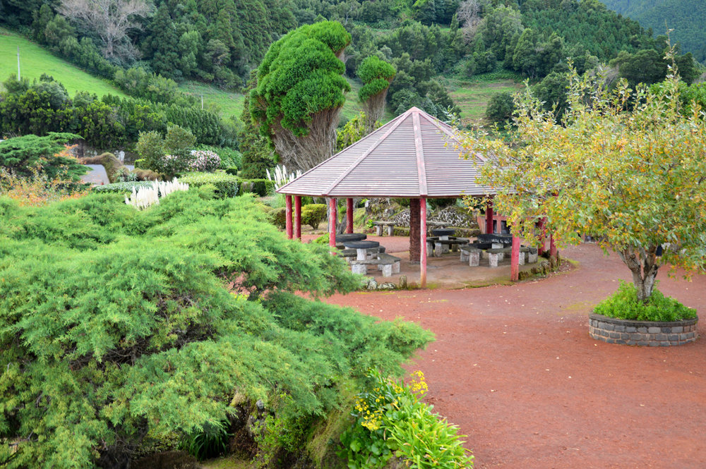 The arbor at the viewpoint Ponta do Sossego