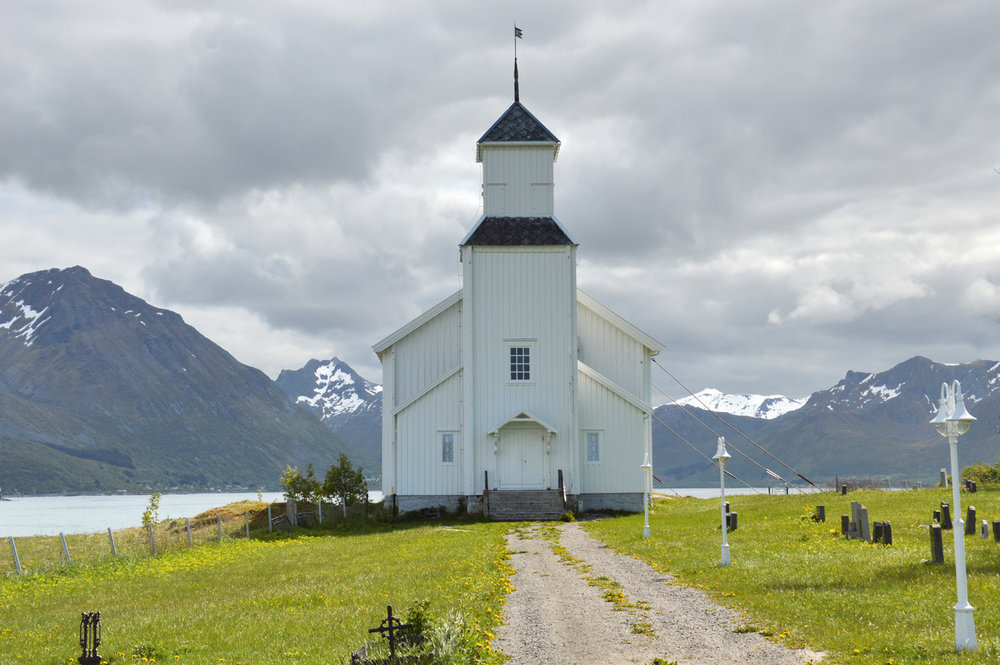 White church in Gimsoysand