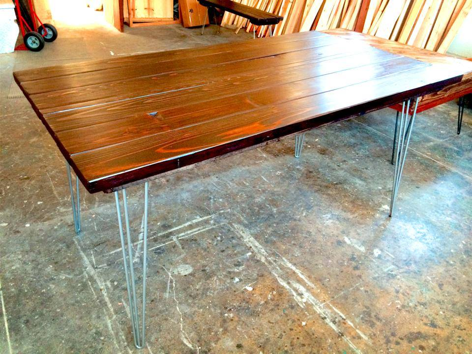 Hannah Dining Table With Hairpin Legs