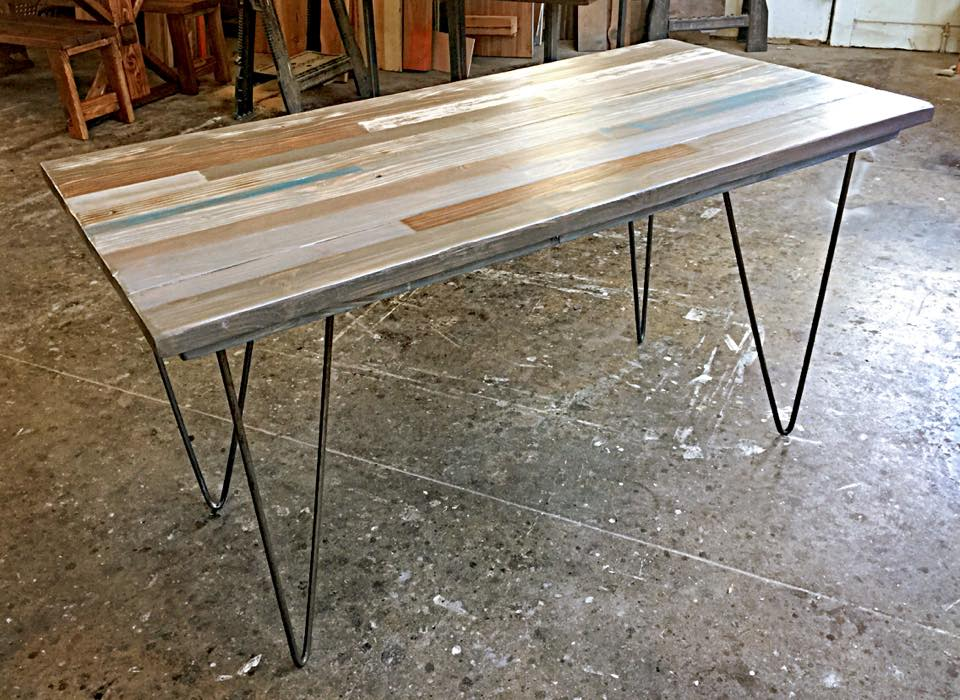Skinny Colors Table