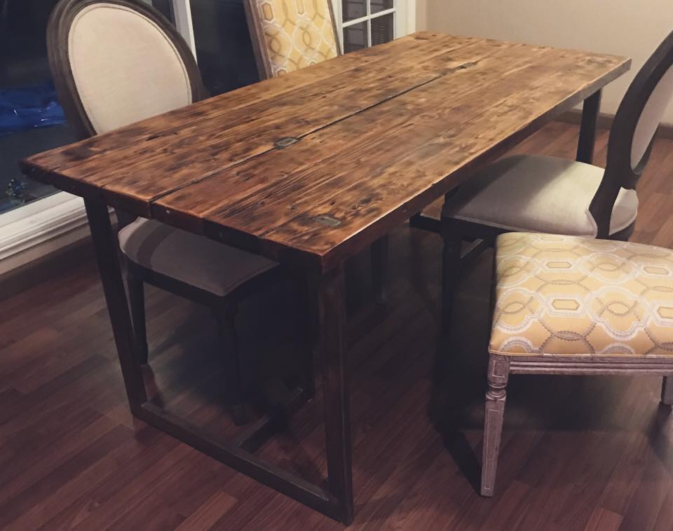 Hallow Dining Table