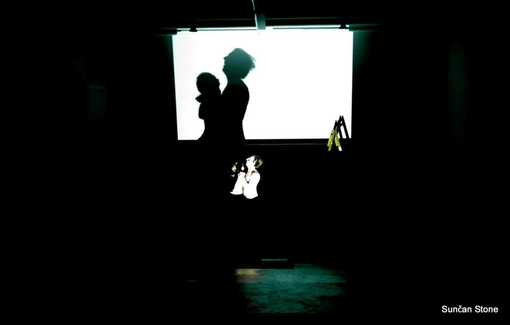 perf_nightlife_moderna_S_Noe-and-Alj-dancing-in-dark_large_2015.png