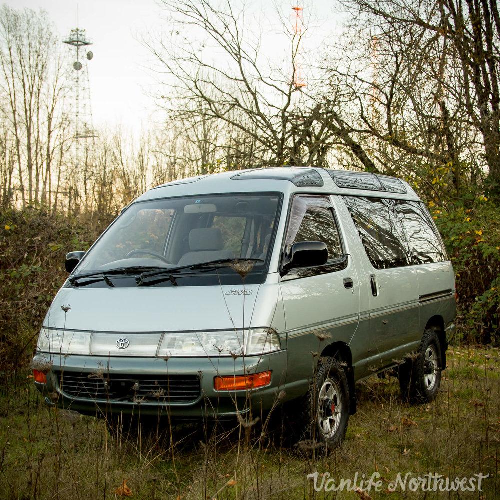 1992ToyotaTownAceCR30MT-5.jpg