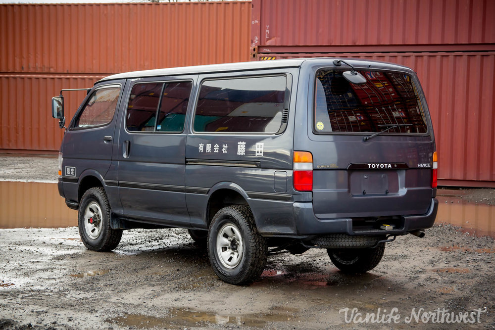 ToyotaHiaceLH119GrantWheeler-8.jpg