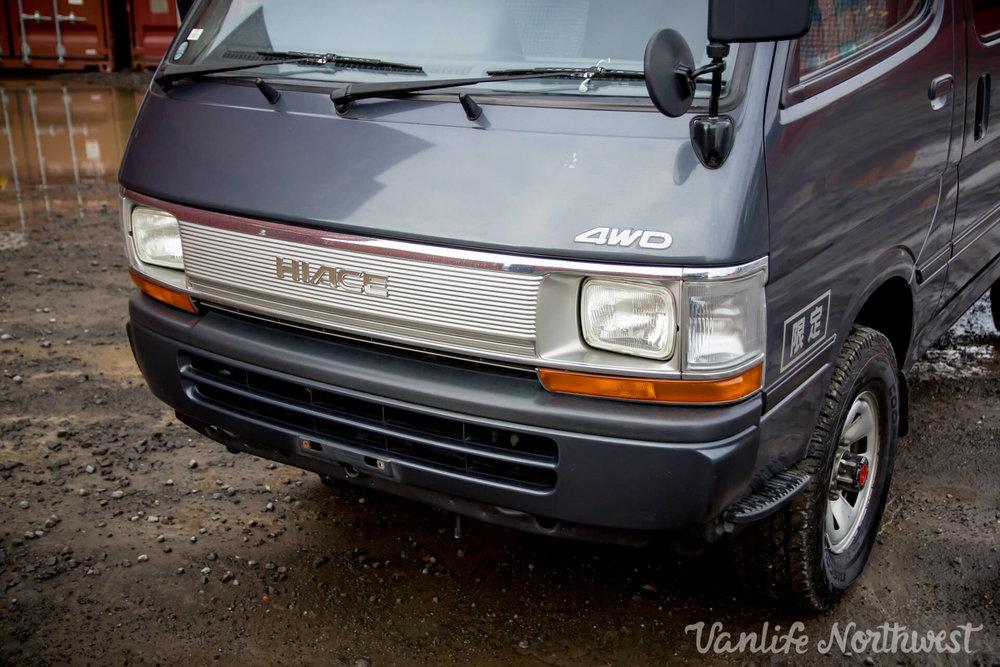 ToyotaHiaceLH119GrantWheeler-14.jpg