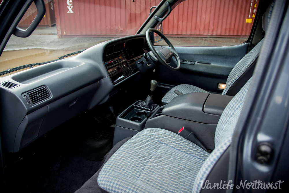 ToyotaHiaceLH119GrantWheeler-19.jpg
