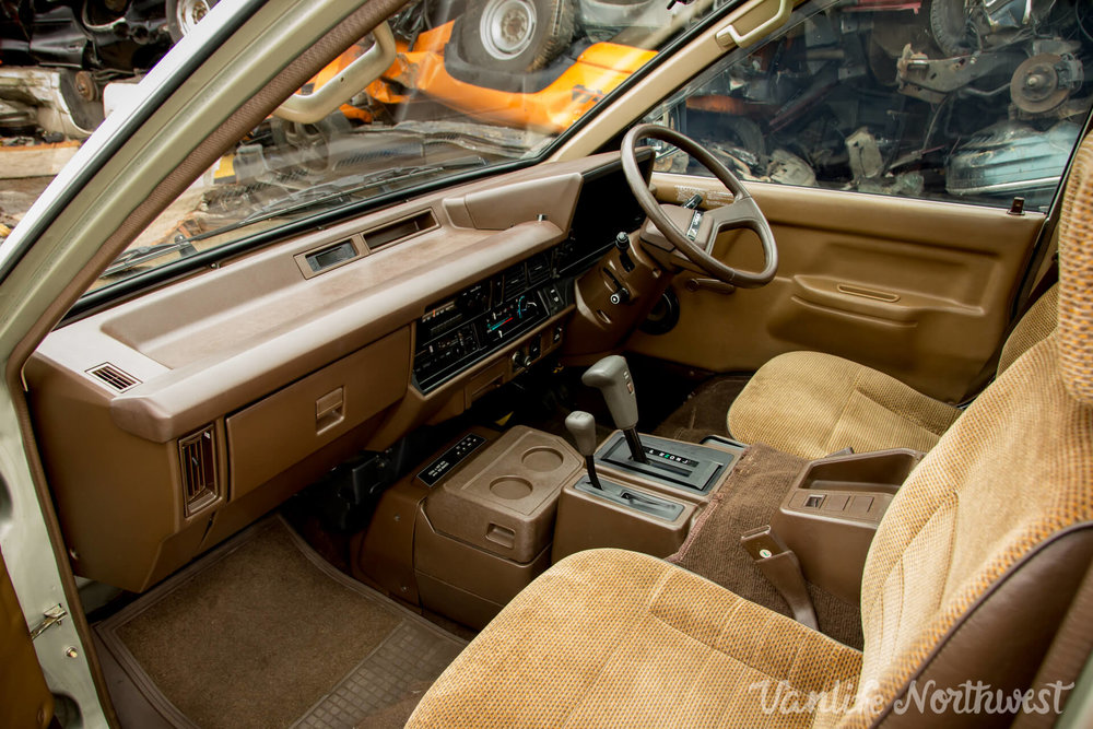 1987ToyotaLiteAce4wdGasolineSkylight-26.jpg