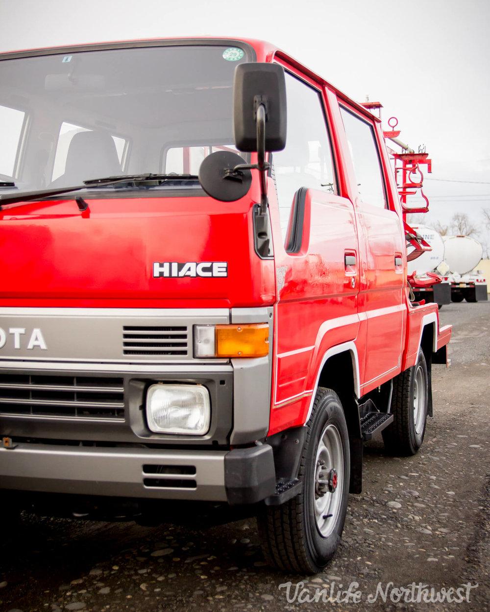 ToyotaHiaceFireTruckLH851990-20.jpg