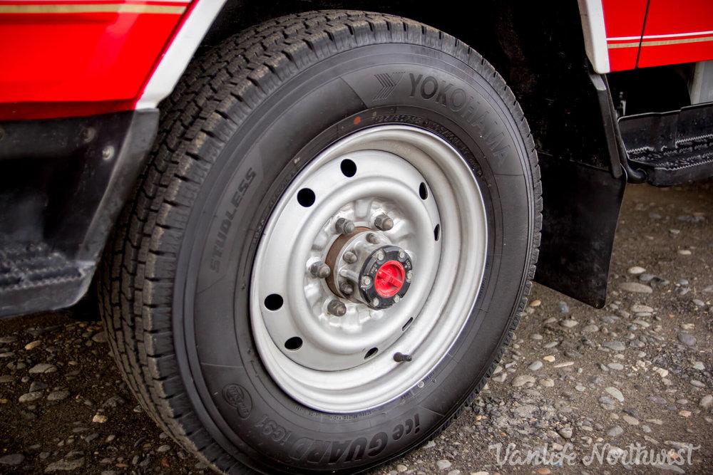 ToyotaHiaceFireTruckLH851990-22.jpg