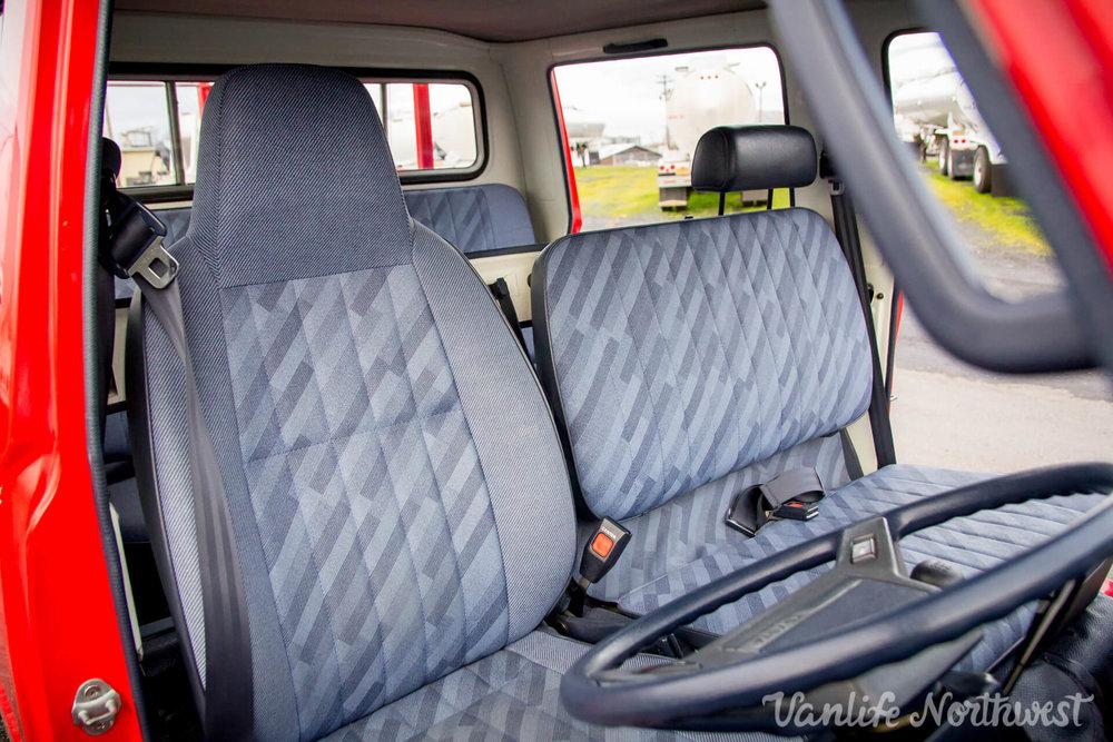 ToyotaHiaceFireTruckLH851990-28.jpg