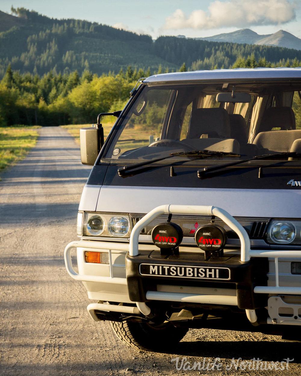1992MitsubishiDelicaLowRoofJeannetteNolan-19.jpg
