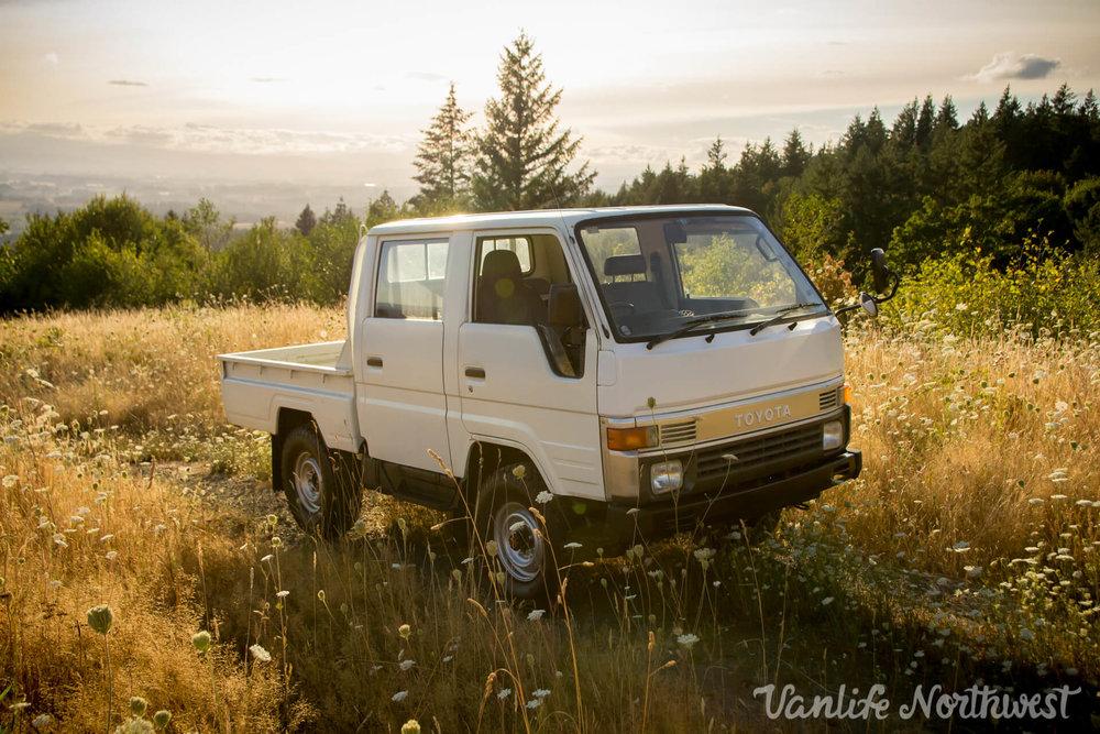 ToyotaHiaceLH85WhiteJosh-1.jpg
