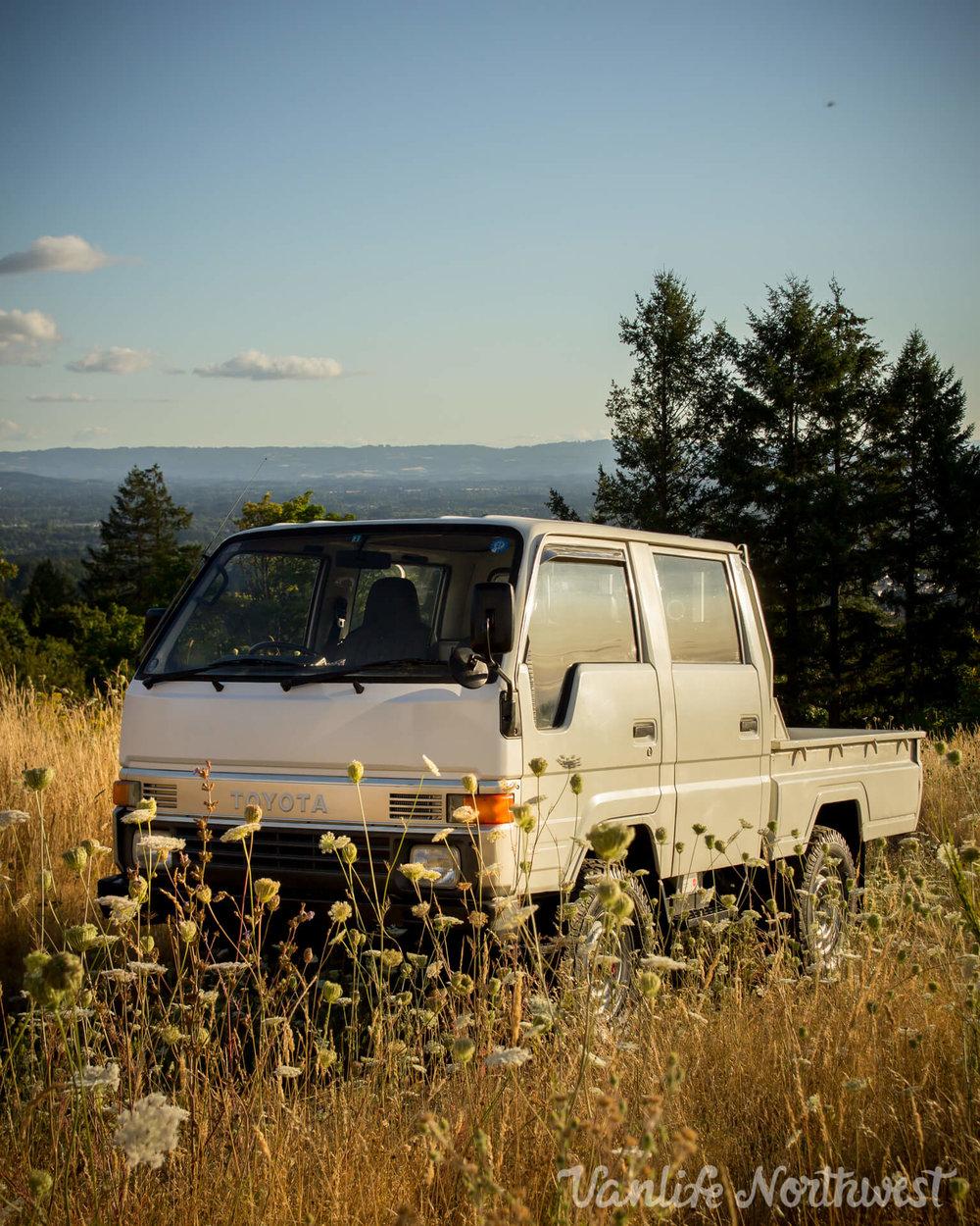 ToyotaHiaceLH85WhiteJosh-4.jpg