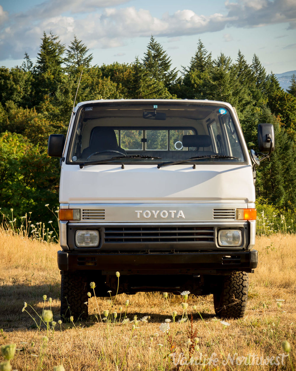 ToyotaHiaceLH85WhiteJosh-8.jpg
