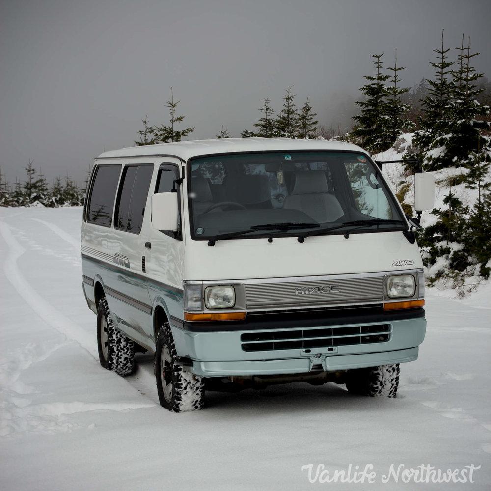ToyotaHiaceLH119-JoeH-21.jpg
