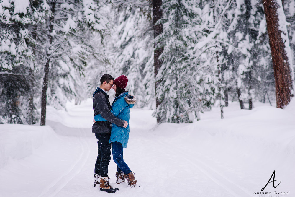 McCall-idaho-engagement-session-ideas