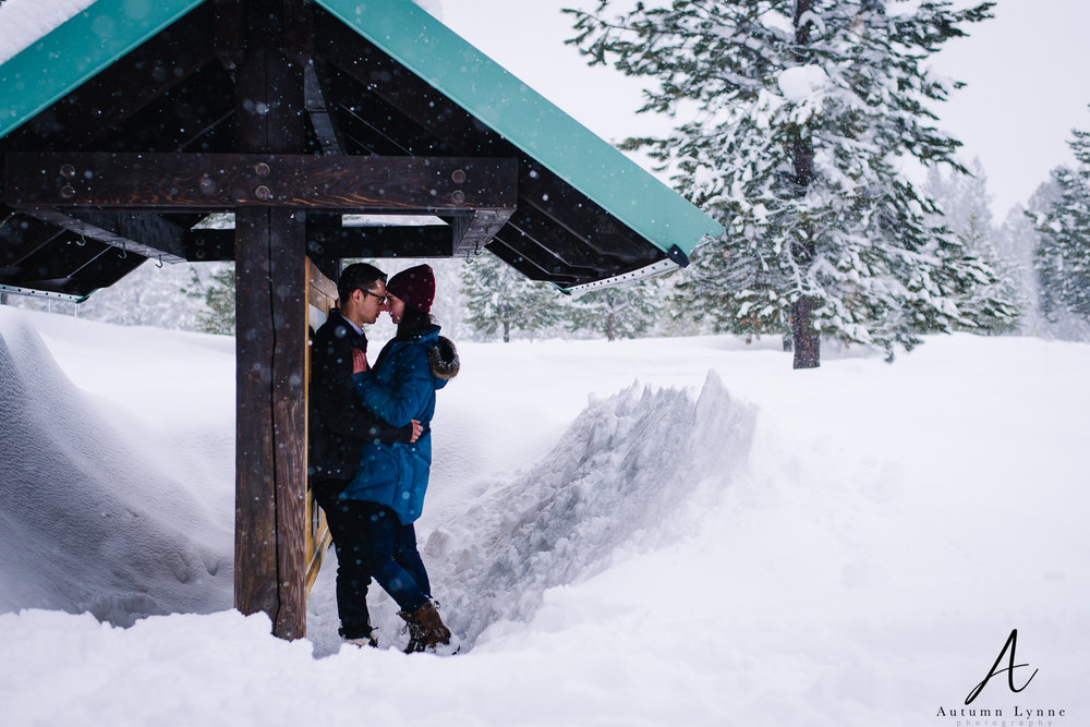 ponderosa-state-park-mccall-snowy-engagement-photo