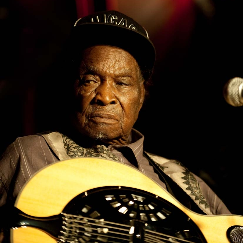 David 'Honeyboy' Edwards.jpg
