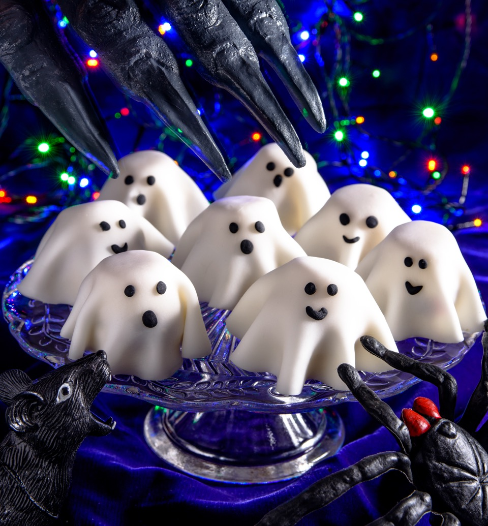 Ghost cakes that are low-FODMAP, gluten-free, vegan - that's spooky!