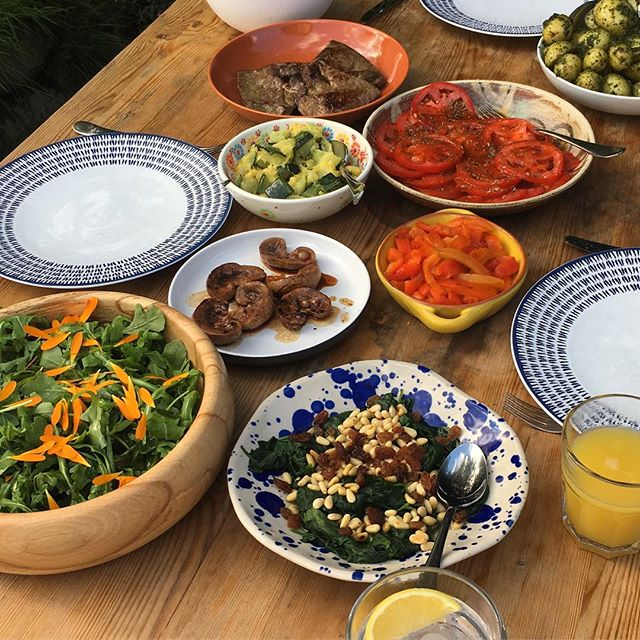 Having to eat ALL of the iron at the moment! Luckily I've made it all taste rather delicious for a garden teatime. #lowfodmap #fodmap #family #glutenfree #IBS #foodasmedicine