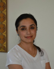 Rashana incorporates Ayurveda, Homeopathy, Reiki and meditation in her practice.