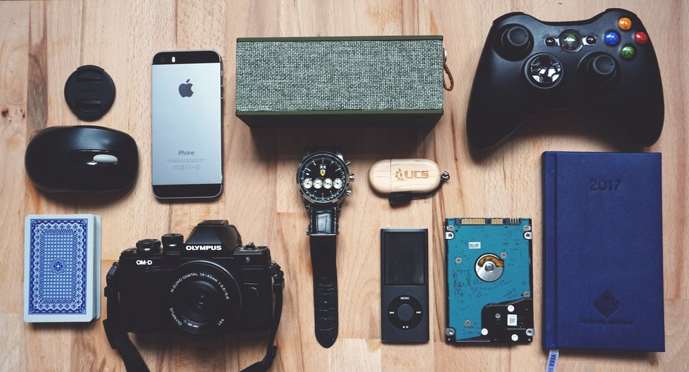 6 of the Best Travel Gadgets & the Cheaper Alternatives