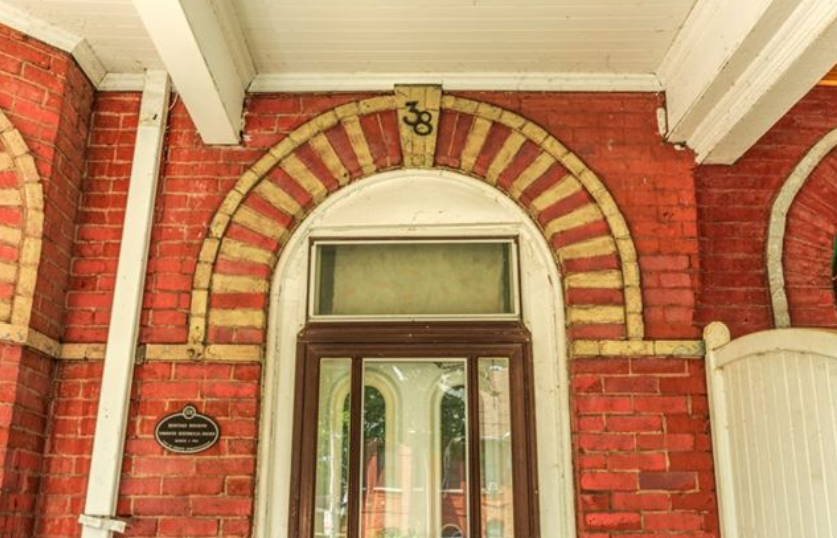 38 Beaconsfield Ave 4.png