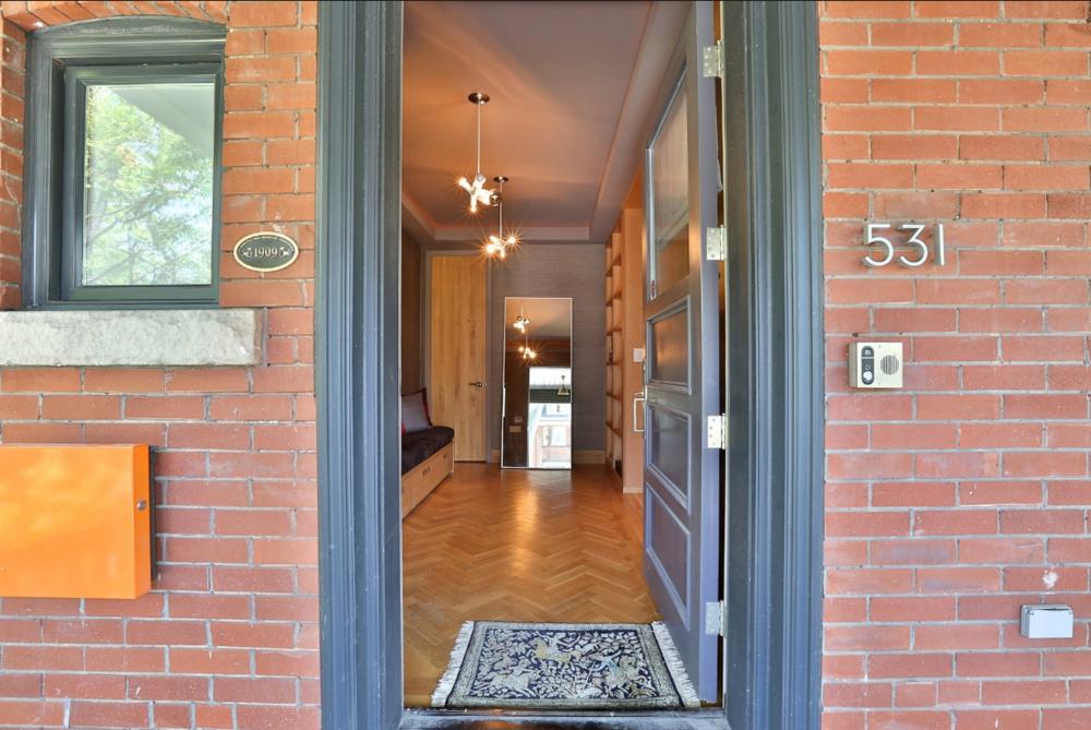 531 Palmerston Blvd 3.png
