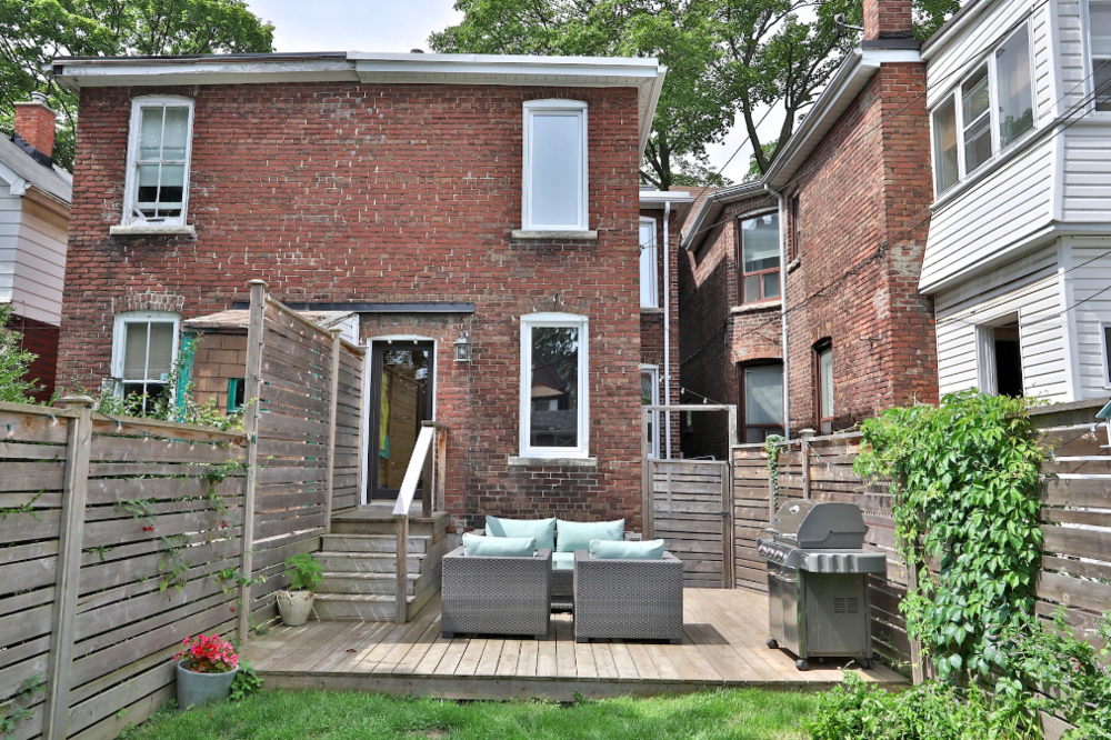 63 Eaton Ave 55.png