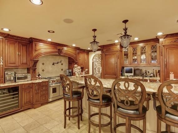 Teresa Giudice's kitchen.png