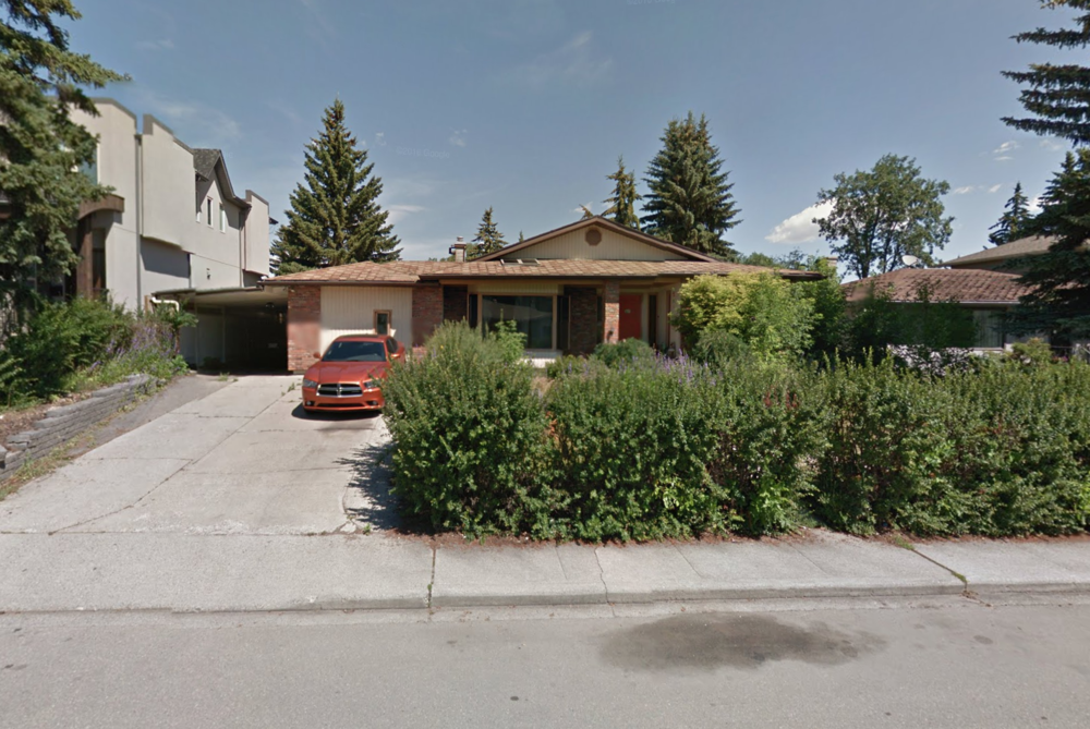 2044 44 Ave SW before.png