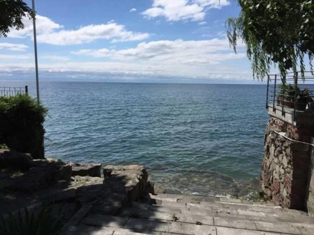 1 Lake Shore Dr 1.png