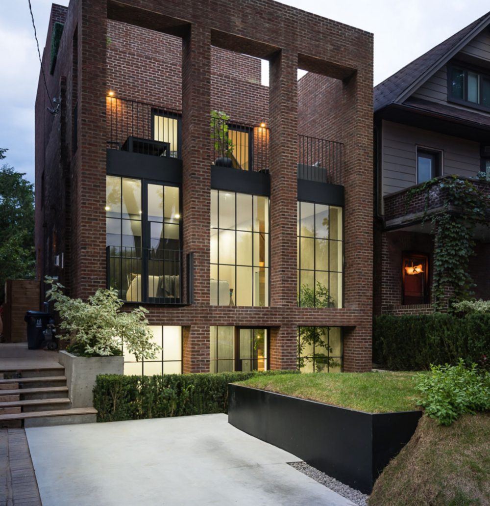 643 Carlaw Ave 2.png