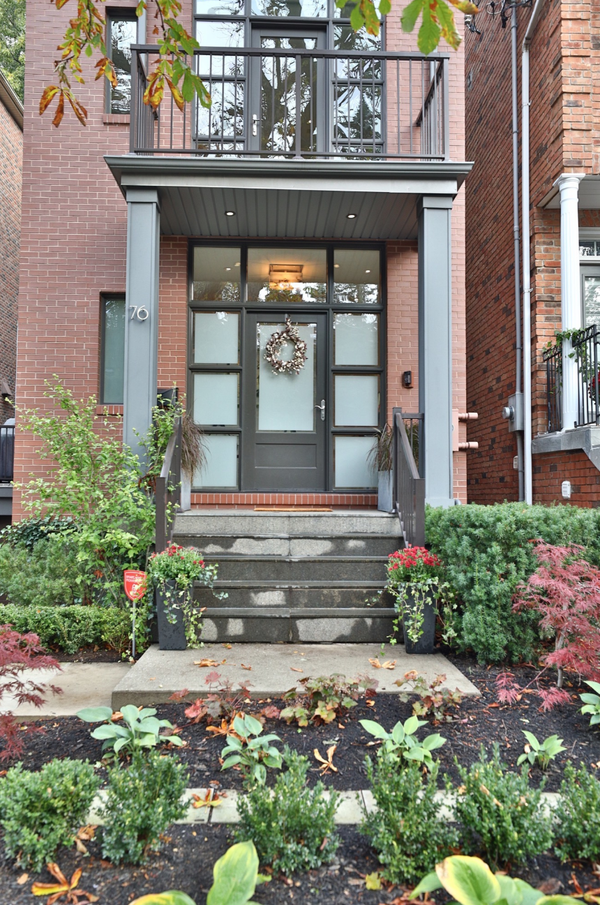 76 Macpherson Ave 2.png