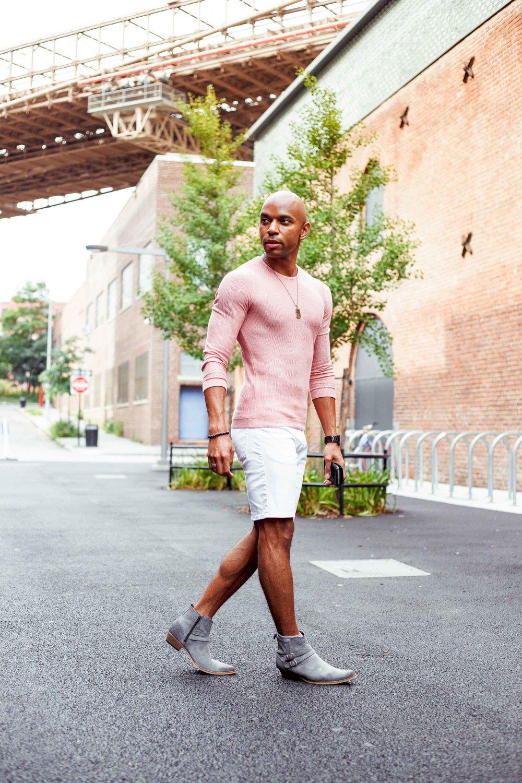 how-to-dress-season-transition-walking.jpg